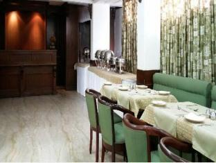 Hotel Asian International New Delhi and NCR - Food, drink and entertainment
