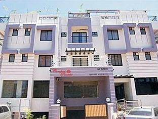 Compact Panache Hotel Bengaluru / Bangalore