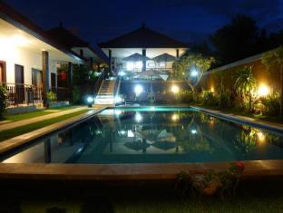 Puri Hasu Bali Bali - Zwembad