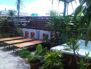 Junior Guesthouse Chiang Mai - Roof Area