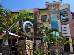 C5 Dormitel דבאו - בית המלון מבחוץ