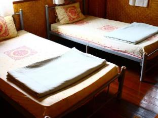 TT and T Guesthouse Lampang Lampang - Guest Room