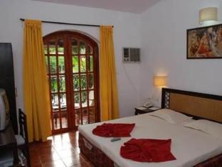 Sea Breeze Candolim Hotel North Goa - Guest Room
