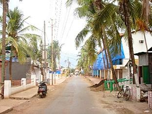 Sea Breeze Candolim Hotel North Goa - Surroundings
