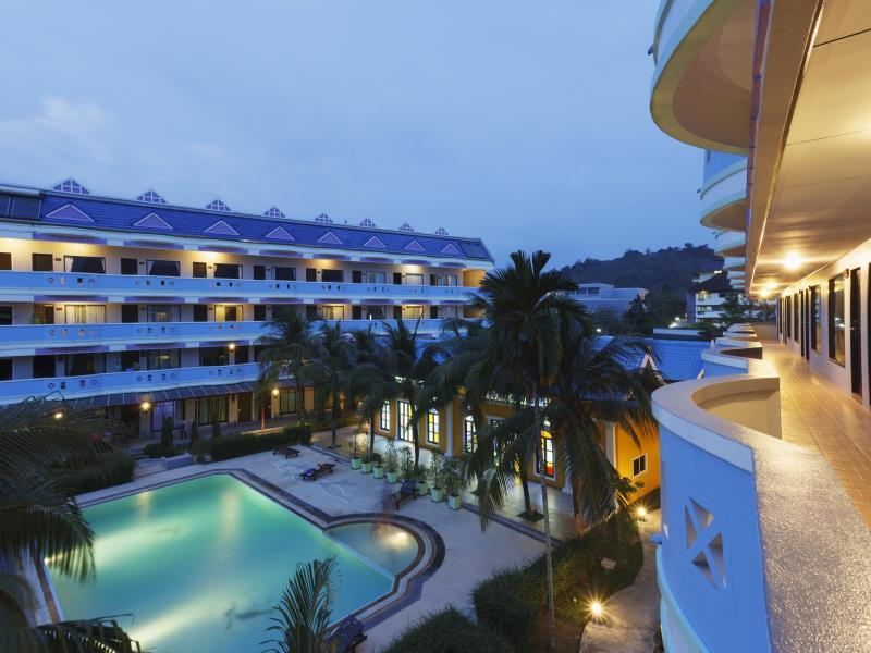 Blue Carina Inn Hotel Phuket - Swimming pool