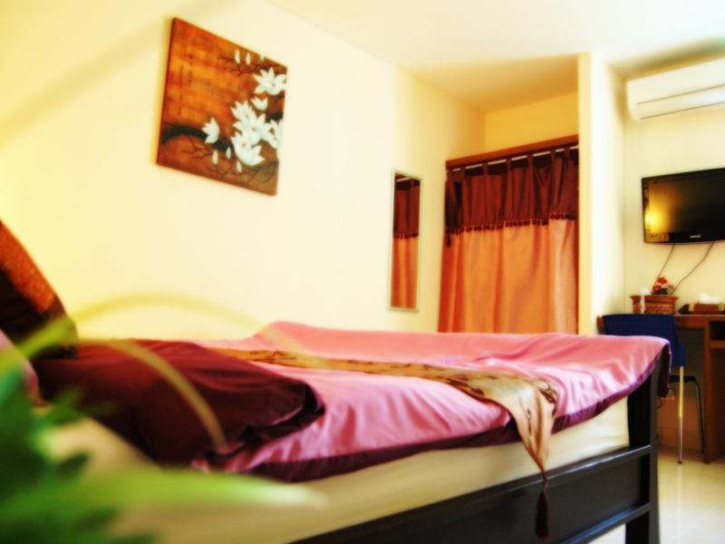 バリー バラ アパートメント(Varee Vara Apartment)