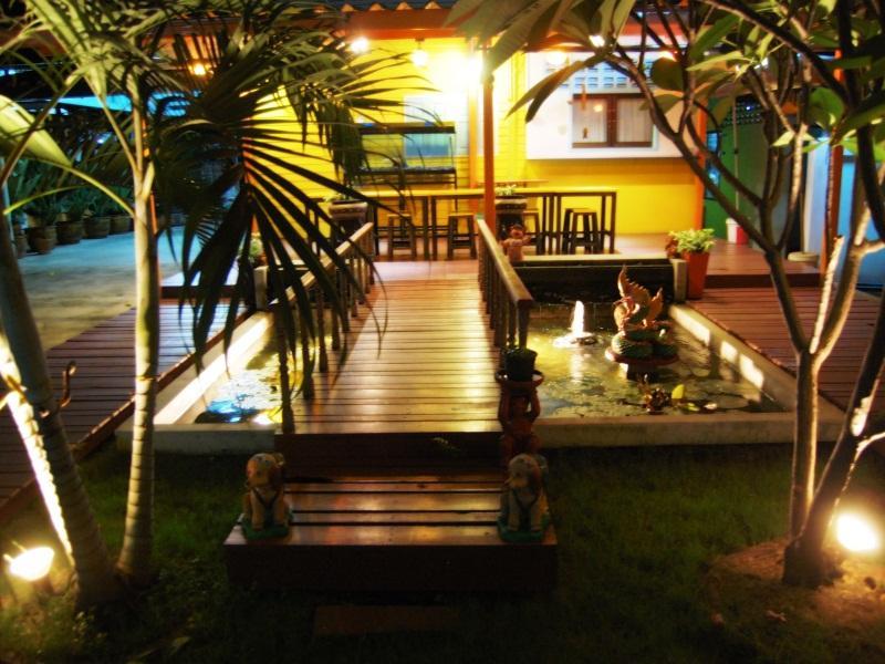 Varee Vara Apartment - Hotell och Boende i Thailand i Asien