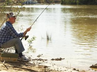 Cadell on the Murray Hotel Echuca / Moama - Be sure to bring your fishing rods