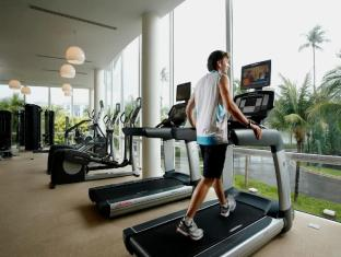 Centara Grand West Sands Resort & Villas Пукет - Фитнес зала