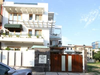 Luxury Suites and Hotels - Jacaranda Marg