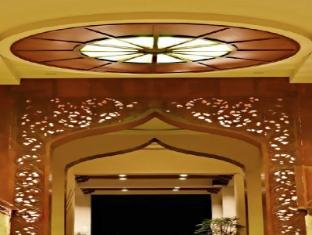 ジャワ ホテル ラワグ - エントランス(玄関)