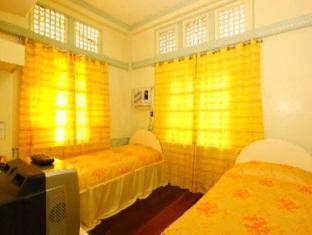 Villa Alzhun Tourist Inn and Restaurant בוהול - חדר שינה
