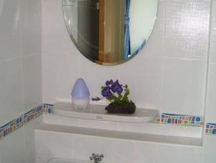 Raya Rawai Place Phuket - Bathroom