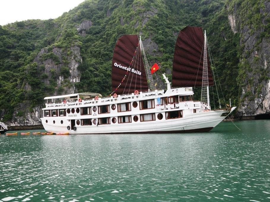 Deluxe Oriental Sails Halong - Hotell och Boende i Vietnam , Halong