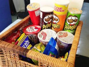 Five Stones Hostel Singapore - Snacks for Sale