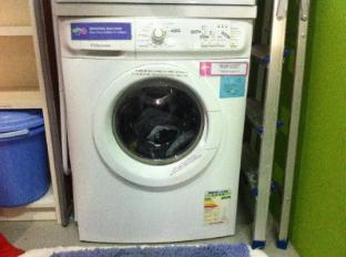 Five Stones Hostel Singapore - Washing Machine