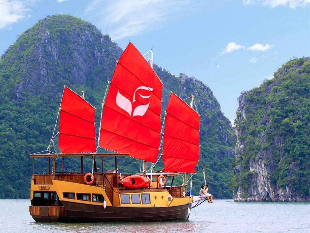 Life Heritage Resort Ha Long Bay Cruises - Hotell och Boende i Vietnam , Halong