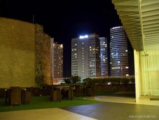 Philippines Hotel Accommodation Cheap | Acacia Hotel Manila Manila - Surroundings