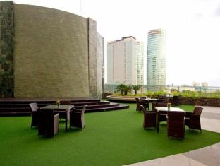 Philippines Hotel Accommodation Cheap | Acacia Hotel Manila Manila - View
