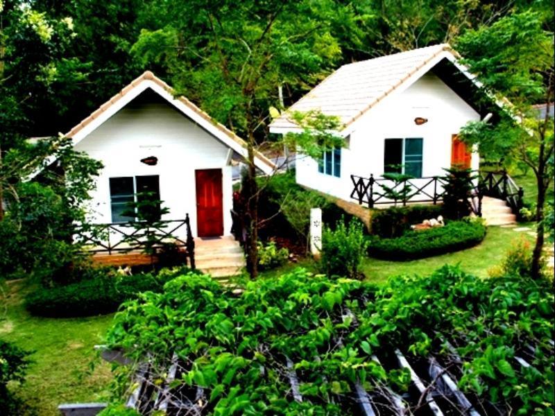 Hotell Lucky Farm Resort i , Khao Yai / Nakhonratchasima. Klicka för att läsa mer och skicka bokningsförfrågan