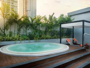 In Residence Bangkok Sukhumvit بانكوك - حمام السباحة
