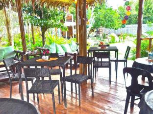 Chill-out Guesthouse Panglao Bohol - Restaurant Area