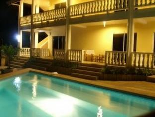 Alona Studios Hotel बोहोल - तरणताल