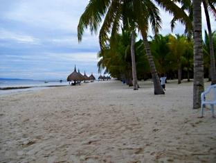 Alona Studios Hotel Bohol - Surroundings - Alona Beach, 5-minute walk