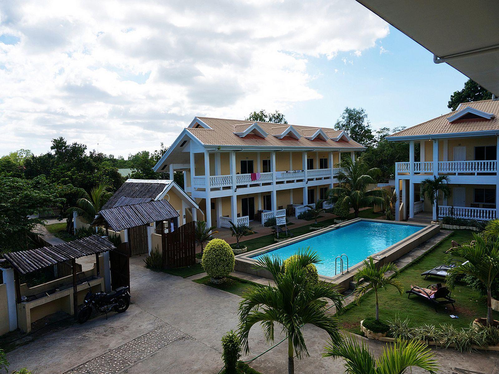 Alona Studios Hotel Bohol
