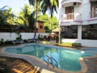 Jessica Saffron Beach Resort North Goa - Swimming Pool