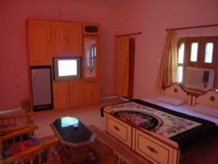 Hotel Oasis Pushkar - Room Interior