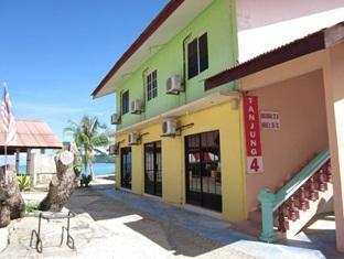 Tanjung Malie Beach Motel - 2 star located at Pantai Cenang