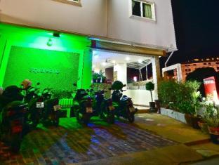 Squareone Phuket - Tampilan Luar Hotel