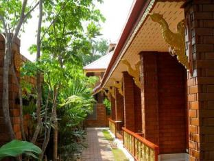 Irawadee Resort Tak - Exterior