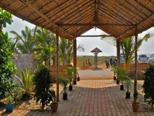 Pam Pirache Resort North Goa - Entrance
