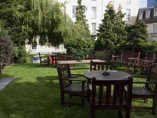 Edinburgh Holiday Accommodation Edinburgh - The Garden area of James Square
