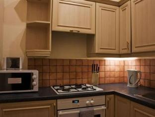 Edinburgh Holiday Accommodation Edinburgh - Kitchen