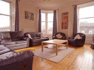 Edinburgh Holiday Accommodation Edinburgh - Living Room