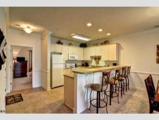 Magnolia Pointe by Palmetto Vacation Rentals Myrtle Beach (SC) - Kitchen