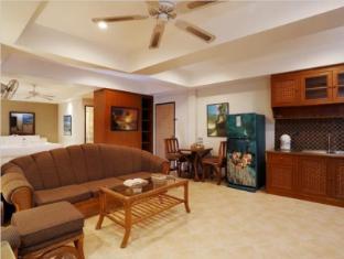 Summer Breeze Hotel Phuket - Penthouse Suite