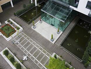 Millharbour Serviced Apartments London - Entrance
