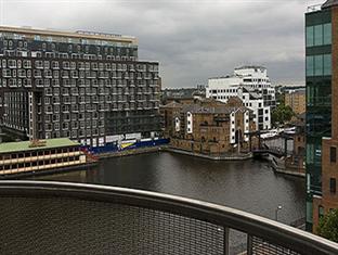 Millharbour Serviced Apartments London - Surroundings