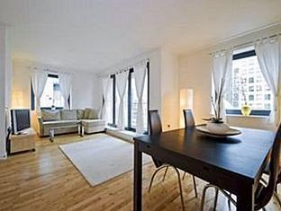 Discovery Dock Apartments London - Living Room