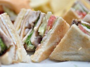 Queen Lotus Guesthouse Bangkok - Club Sandwich