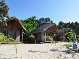 Kingfisher Sand Sea Surf Resort Pagudpud - Hotel Aussenansicht