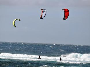 Kingfisher Sand Sea Surf Resort Pagudpud - Kite Boarding