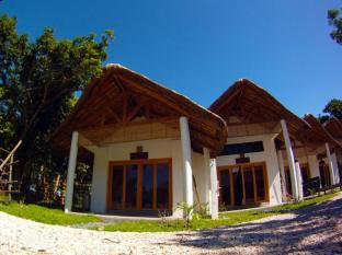 Kingfisher Sand Sea Surf Resort Pagudpud - Quartos