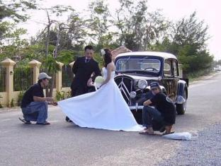 River Ray Resort Vung Tau - Antique Car for Wedding