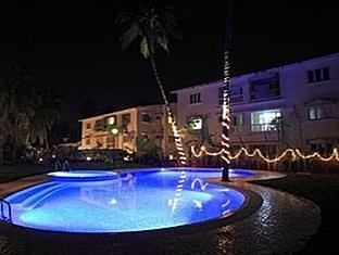 Godwin Hotel North Goa - Swimming Pool
