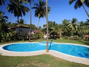 Godwin Hotel North Goa - Swimming Pool